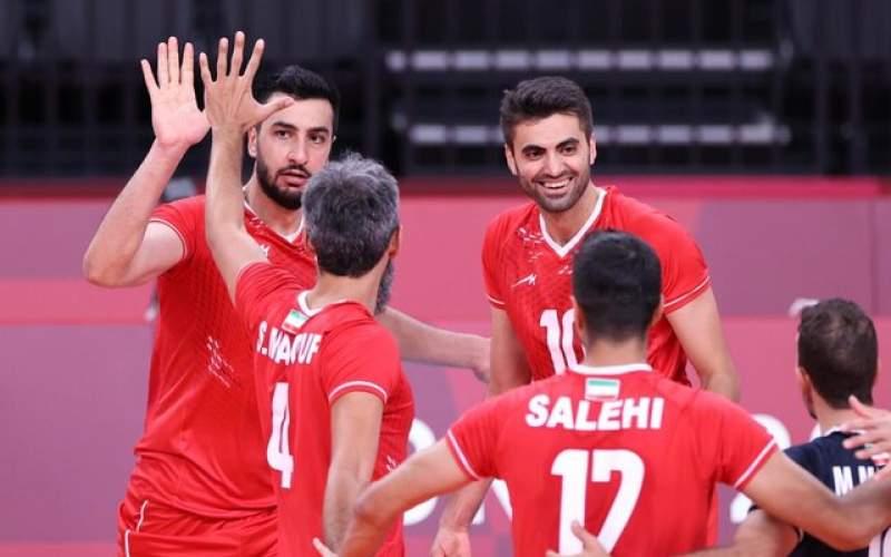 ضای شاد سالن والیبال با پخش موسیقی ایرانی