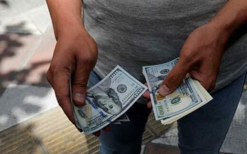 شوک خبرهای سیاسی بر بازار ارز