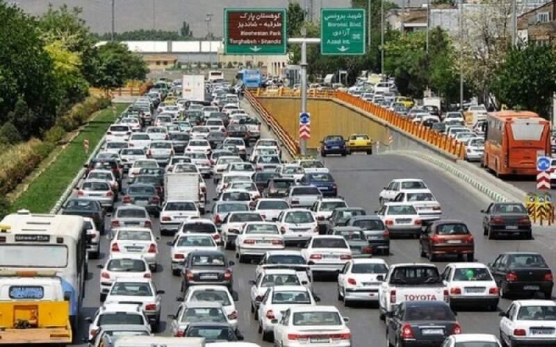 نواب یکی از پرترافیک ترین بزرگراههای پایتخت