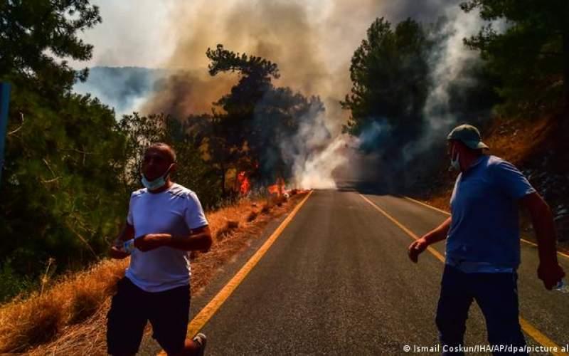 مدیترانه درگیر گرما و آتشسوزیهای متعدد