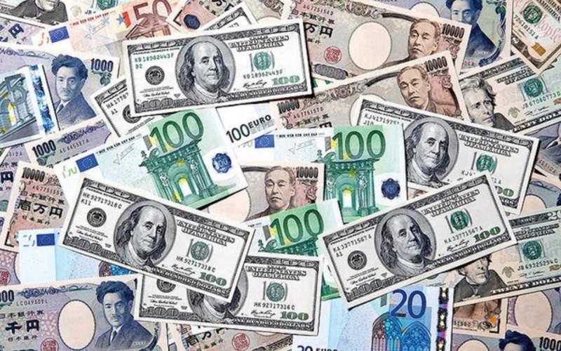 افت خیز قیمت دلار در هفتهای كه گذشت