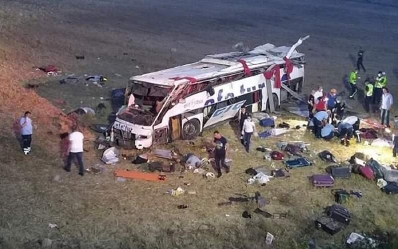 تصادف مرگبار اتوبوس با ۲۲کشته و زخمی در ترکیه