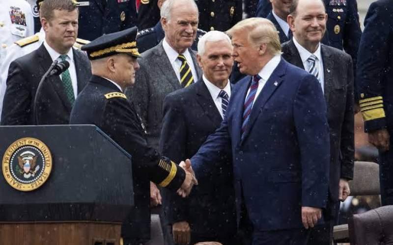 ترامپ: اگر داستان این ژنرال کودن درست باشد باید به خاطر خیانت دادگاهی شود