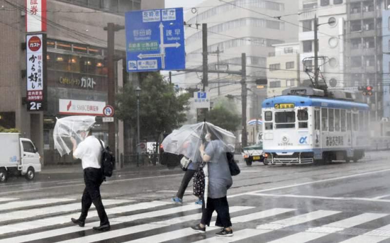 """مصدومیت ۶ تن بر اثر طوفان """"چانتو"""" در ژاپن"""