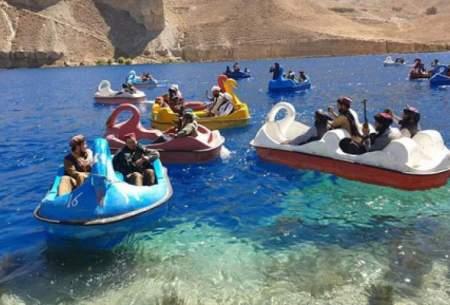 طالبان با آرپیجی سوار قایقهای پدالی/تصاویر