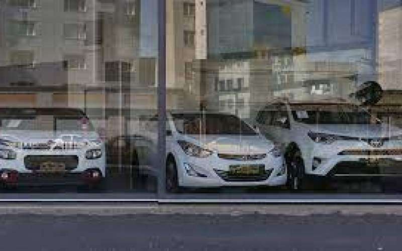 افت قیمت خودروهای خارجی در بازار