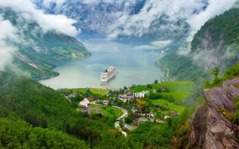 مرزهای نروژ به روی مسافران باز میشود