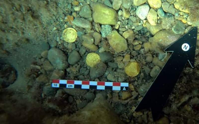 کشف گنجینه بزرگ سکههای رومی در دریا