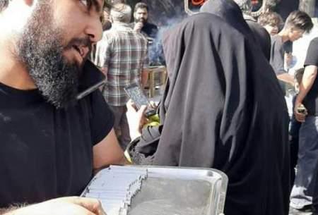 پخش سیگار در راهپیمایی اربعین تهران/عکس