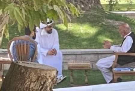 اشرف غنی, این عنصر فرومایه و دزد، با همدستی با قطر، پاکستان و طالبان افغانستان را به این روز انداخت و حالا با پولهایی که دزدی کرده در دوبی استراحت میکند!