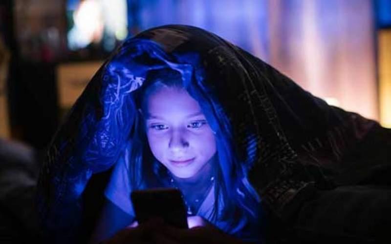 پیامد بازی شبانه با تلفن همراه برای کودکان