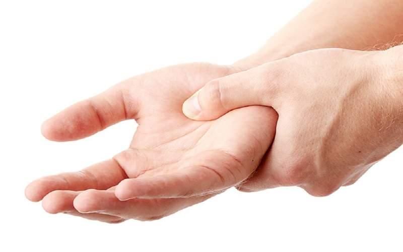 دلایل بی حس شدن دستها چیست؟