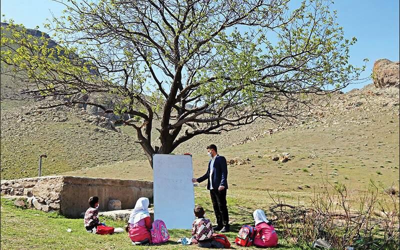 بازگشایی حضوری مدارس از عشایر آغاز شد