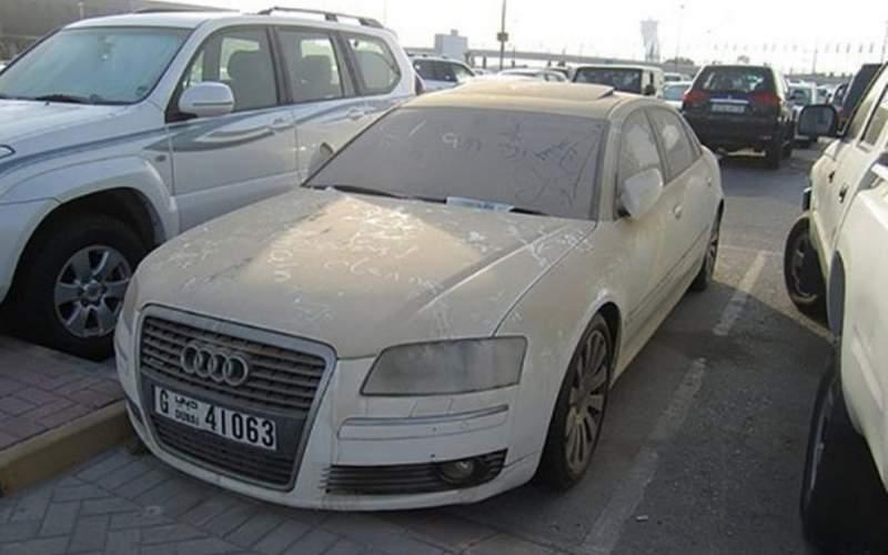 خودروهای لوکس در دبی خاک میخورند