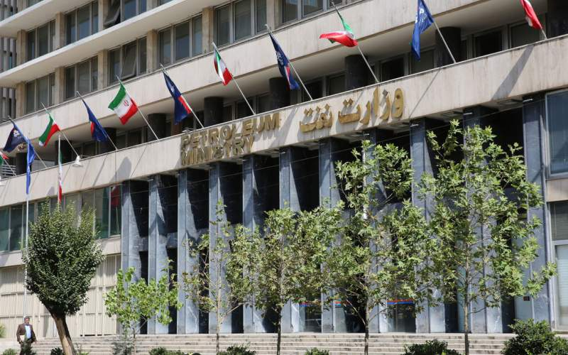 اسامی ۶۰ نماینده مجلس که با دستور زنگنه به استخدام وزارت نفت درآمدند